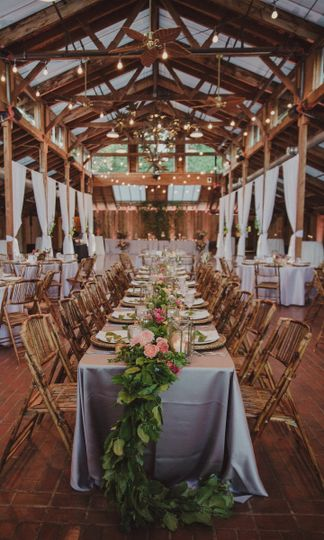 Rustic reception setup | Jason Lucas Photography