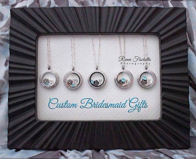 The Perfect Bridesmaid gift... You can personalize each locket for your Bridesmaid with a large...