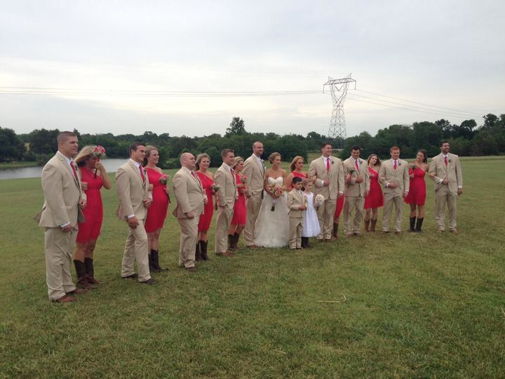 Group photo of bridesmaids and groomsmen