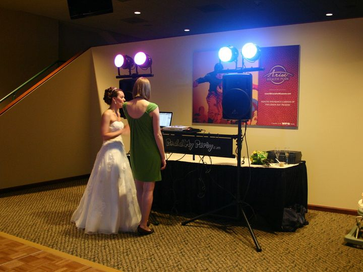 Tmx Img 7764 51 137306 1560439700 Green Bay wedding dj