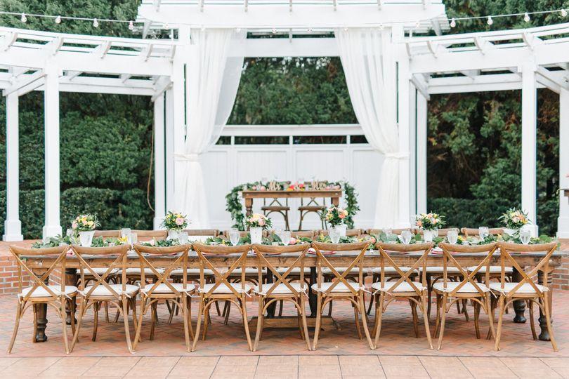 Long table setup | Emma Shourds Photography