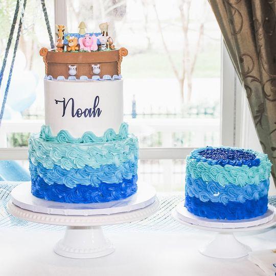 Matching smash cake