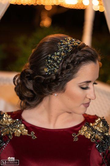 Bridal braid and neutral makeu