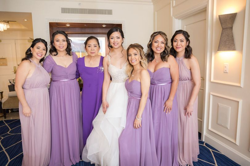 Bride and bridesmaids ready for the wedding