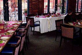 Matthew's Trattoria & Martini Lounge