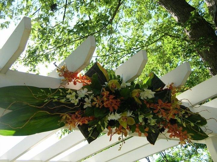 Exterior flower design