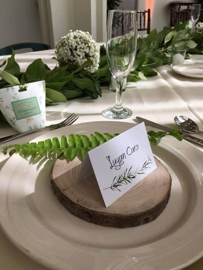 Place Setting Accents