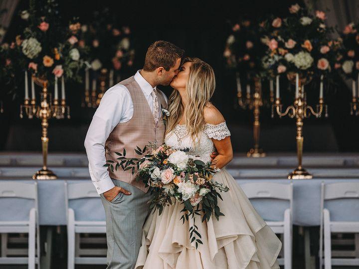Tmx 2l1a3813 51 767506 V1 New Virginia, IA wedding venue