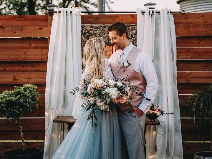Tmx 2l1a4279 51 767506 V2 New Virginia, IA wedding venue