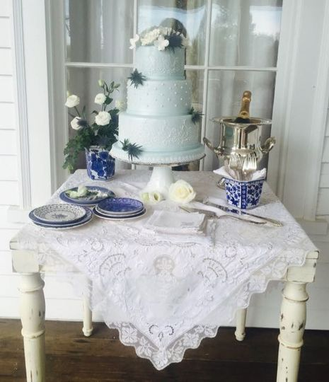 800x800 1466073604259 cake table