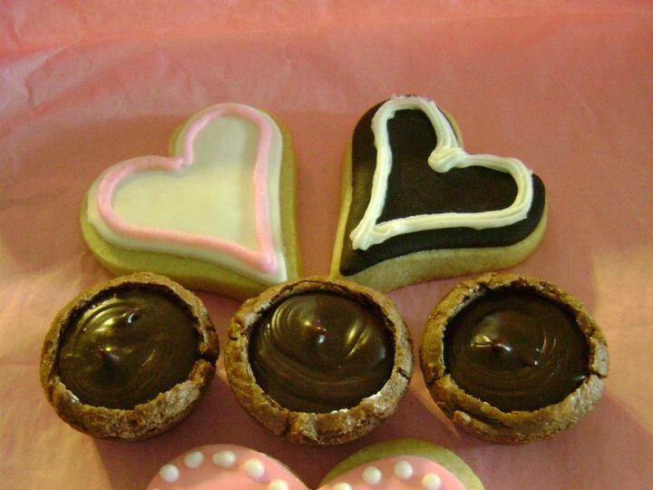 Tmx 1358523891330 Cakes200901055152907large Galesburg, IL wedding cake