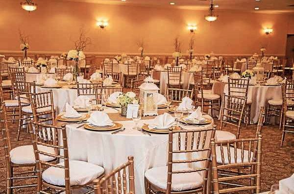 Vintage house banquets and catering venue fraser mi for Quality classic house of fraser