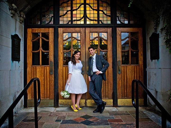 Tmx 12 Couple At Entrance Union 51 175606 158436321314192 Ann Arbor wedding venue