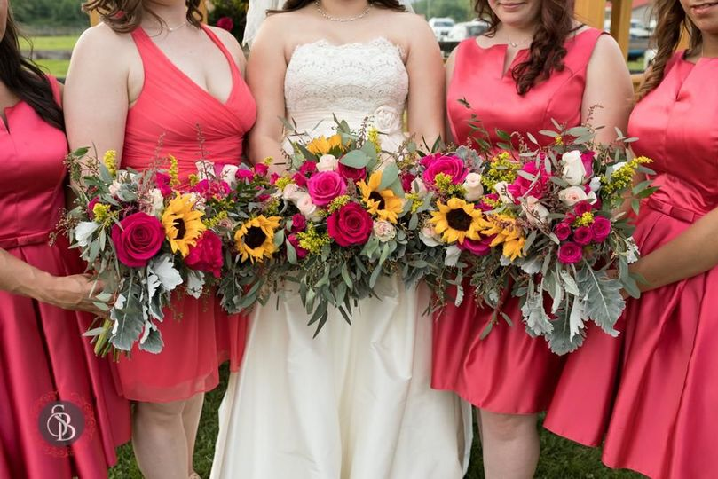 You can see the individuality in this wedding thru the flowers. Nice touch!