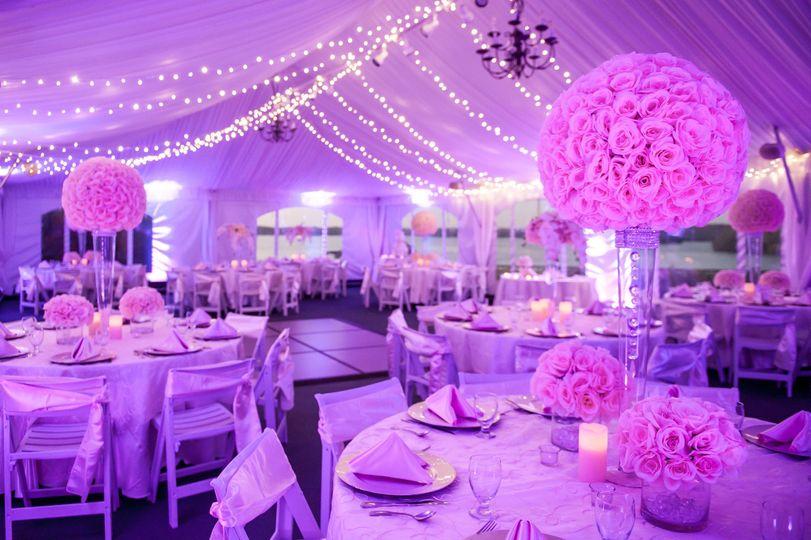 Arrangements and decors