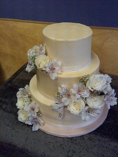 sonya 39 s brown sugar bakery wedding cake tucson az weddingwire. Black Bedroom Furniture Sets. Home Design Ideas