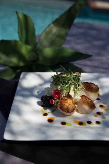 800x800 1476121246389 plated scallops