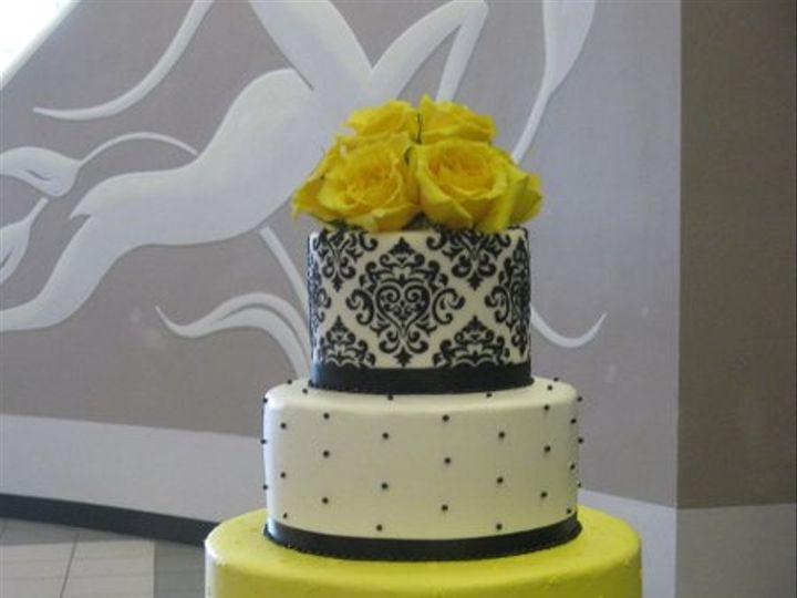 Tmx 1330535039416 BlackandWhitewithYellowRoses Spring Mills wedding cake