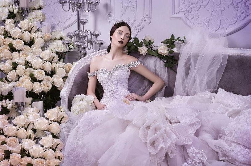 68c3b72006c18953 michael cinco wedding gowns spring summer 2014 02