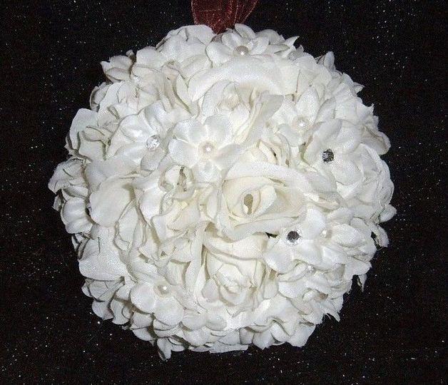 7 inch rose flower ball