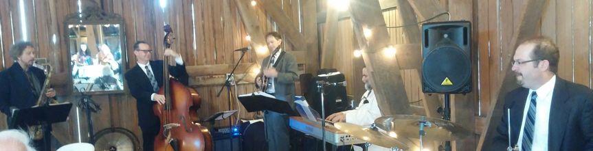 Barn wedding with Quintet