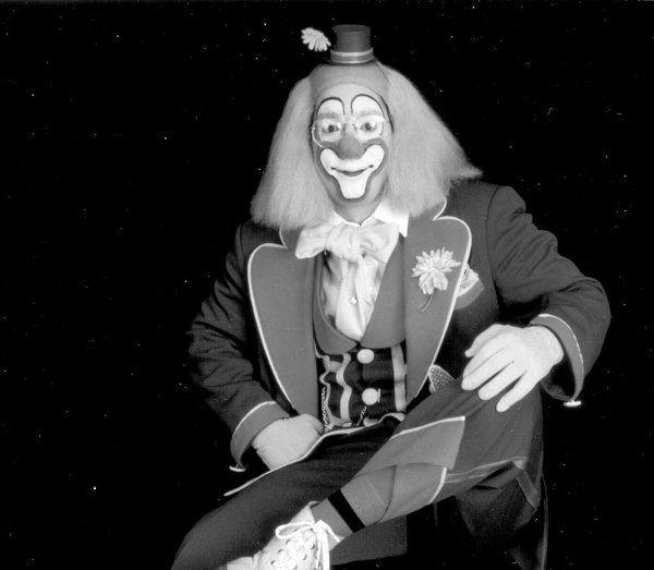 Clown Magician for Children Birthday Parties on Long Island, New York, New York...