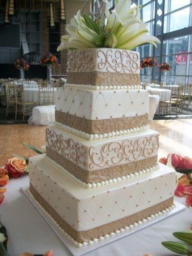 gold heinz field cake