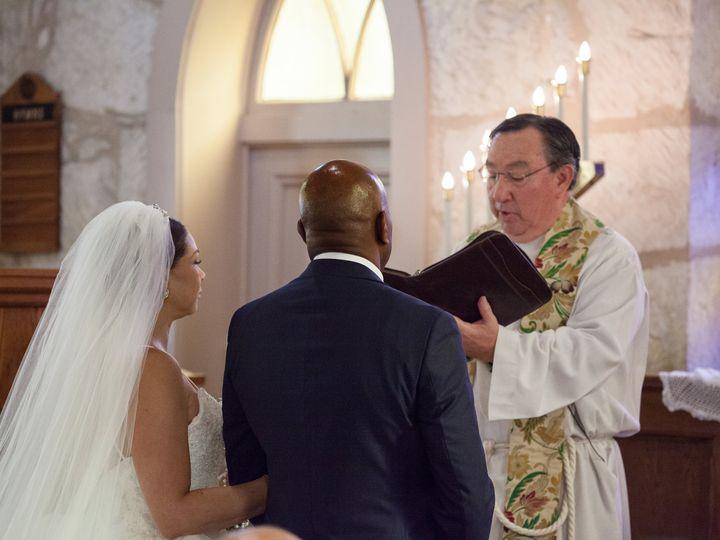 Tmx 11 3 18 Faustphoto 18 50 51 697806 161756819492757 San Antonio wedding officiant