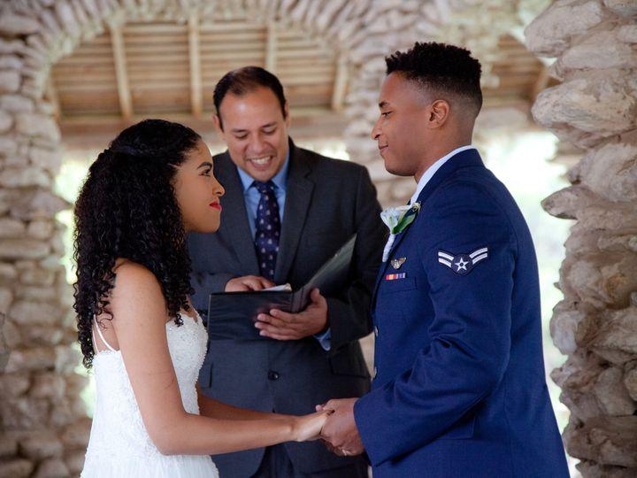 Tmx 12 16 17 Faustphotography 37 50 51 697806 161756818064945 San Antonio wedding officiant