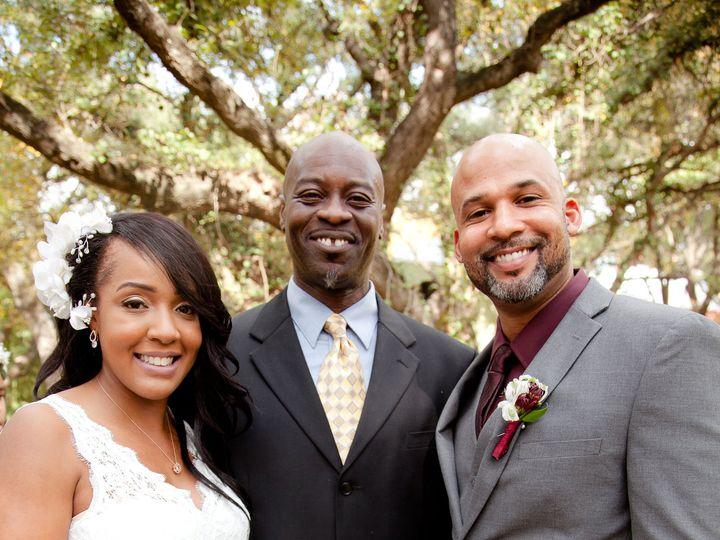 Tmx 12 3 17 Faustphotography 22 1 50 51 697806 161756821744926 San Antonio wedding officiant