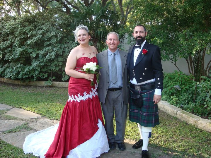 Tmx 1515200756 5a6e4b3aba818852 1515200754 D0f7333f1f11f708 1515200709926 26 7  1  San Antonio wedding officiant