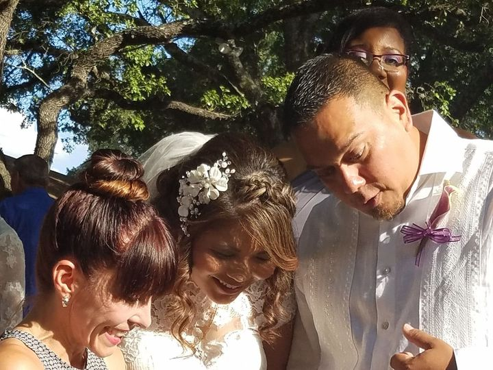 Tmx 1517847306 8a0725f5e2e32aef 1471186851919 20160716183034 San Antonio wedding officiant