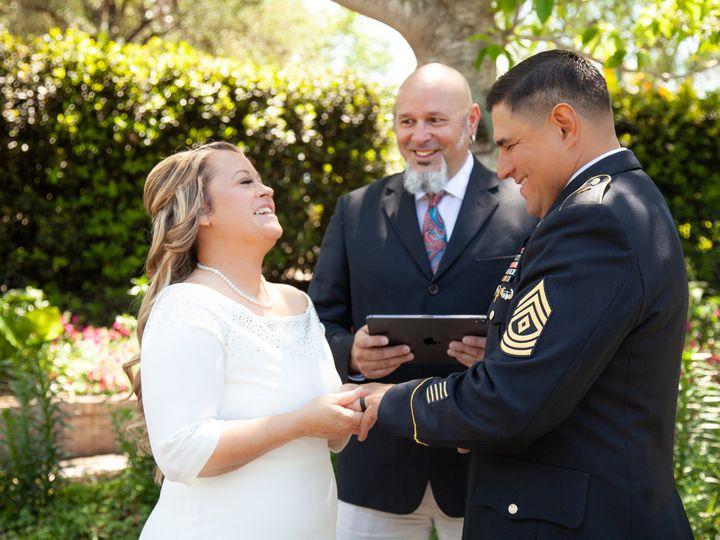 Tmx 4 13 19 Faustphotography 5 50 51 697806 161756820346677 San Antonio wedding officiant