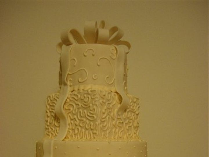 Tmx 1237472472530 CCGymDummyCake006 Narvon wedding cake