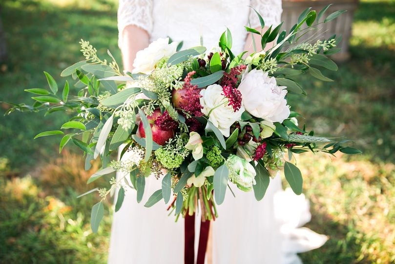 Red arrangements | Photo provided by: Constance Schiano Photography