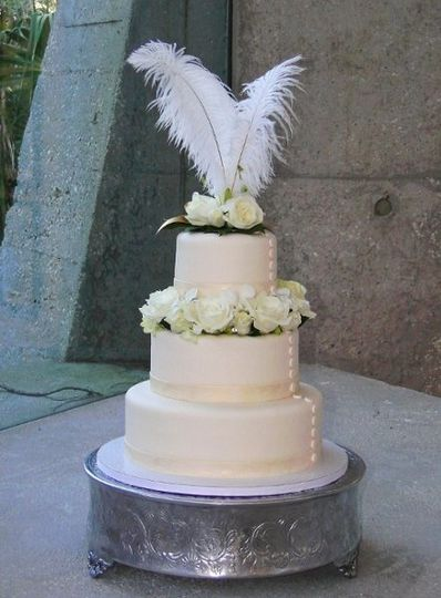 800x800 1321733607946 weddincakeflowers