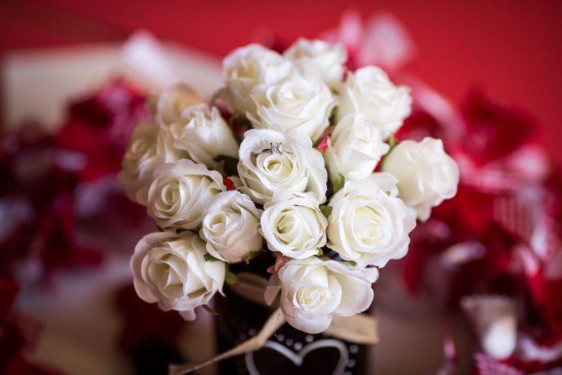 03880d693ec9b0c5 roses