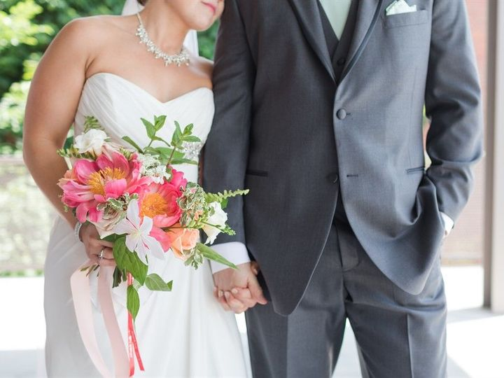 Tmx 1521744786 0dd245c735c393ea 1521744782 3438ddfa262507d3 1521744779227 10 Web 0721 Battles  Durham, NC wedding florist