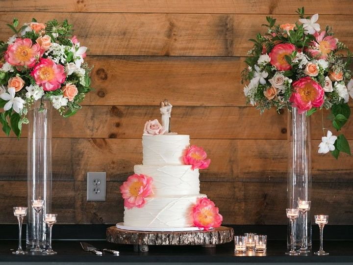 Tmx 1521744788 E1d2b008cc20b98d 1521744784 2e69cc85cceaebf6 1521744779229 13 Web 0855 Battles  Hillsborough, North Carolina wedding florist