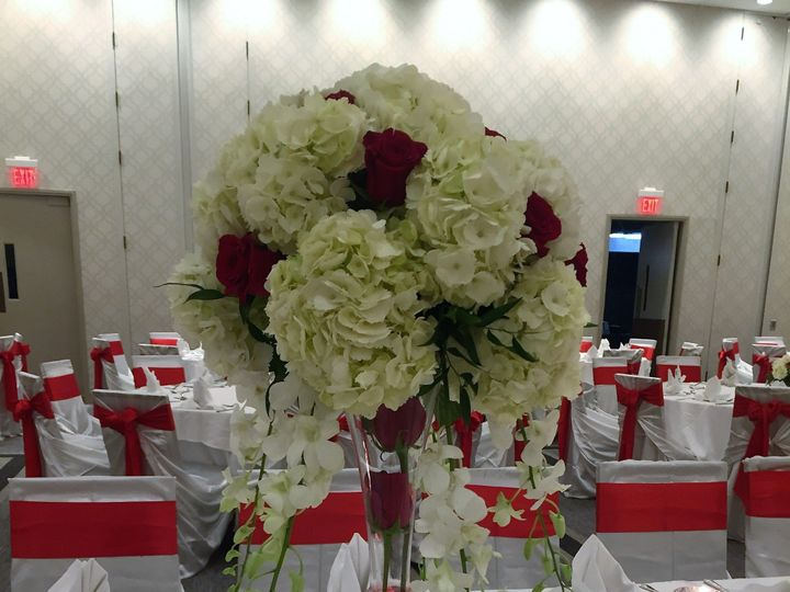 Tmx Tall Floral 51 963016 1573518680 Plainfield, IL wedding eventproduction