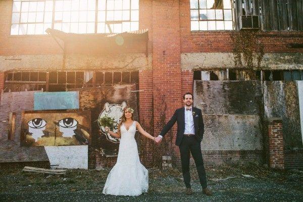 modern ohio wedding at strongwater 31 of 46 600x40