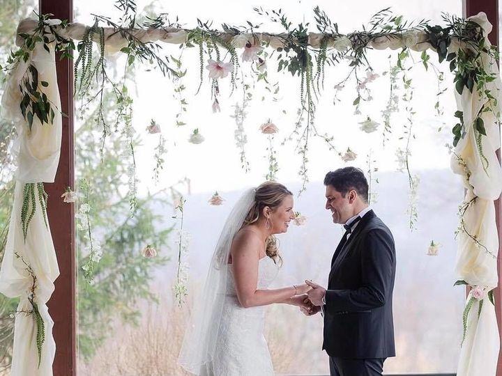 Tmx 1531252387 Dfe20b1a624fe515 1531252385 44dd647b13995b2a 1531252382884 13 Bradley James 13 Rochester wedding florist