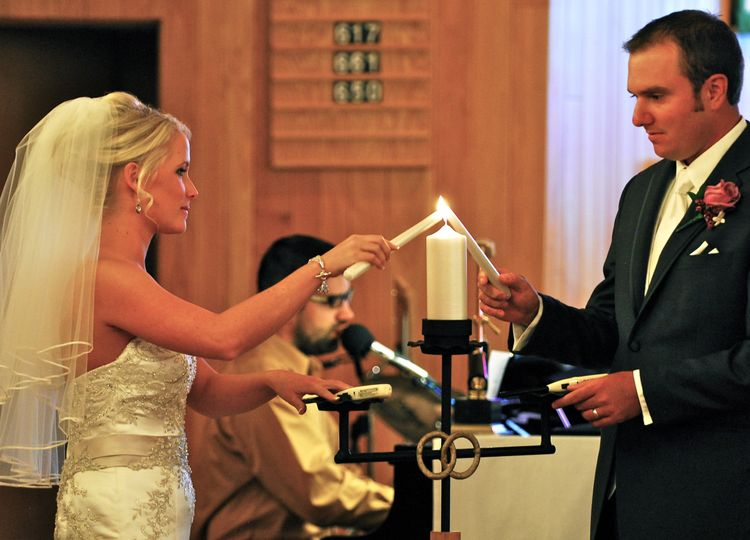 Light Beam Productions - Minnesota, founded in 2005, has produced more than 30 wedding videos.