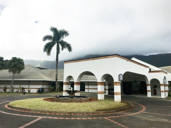 Exterior view of Royal Hawaiian Golf Club