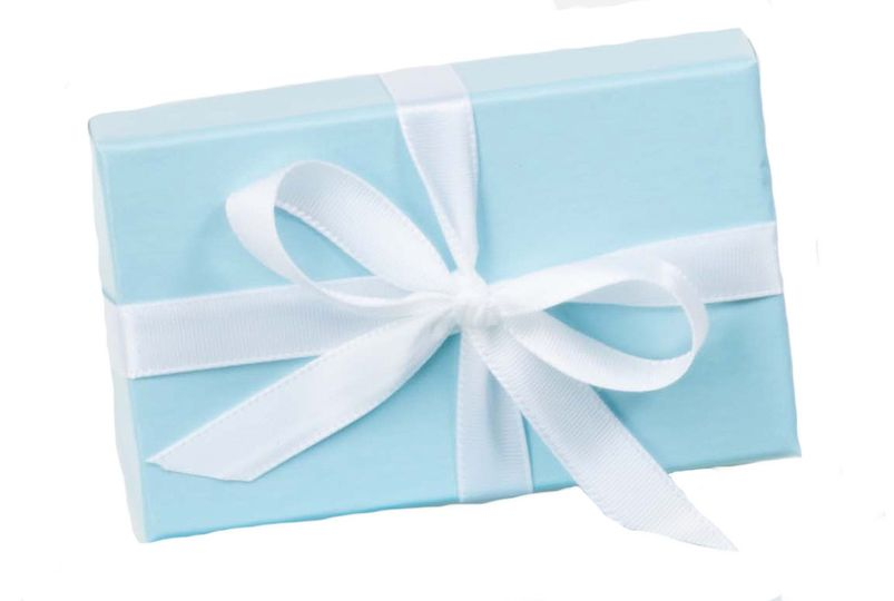 favor box with ribbo