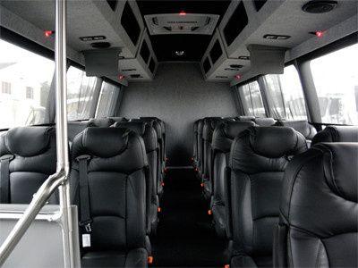 newbusinteriorweb400