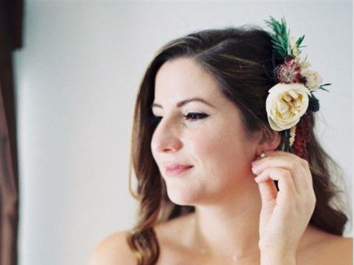 Tmx 1531337463 F2c556eefa92bcef 1531337462 D124ca04b38f0200 1531337464209 1 Caitlin Rak Beacon wedding beauty