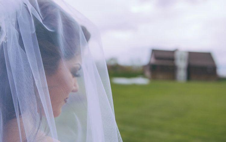 Veiled bride   Gleb Budilovksy Photography