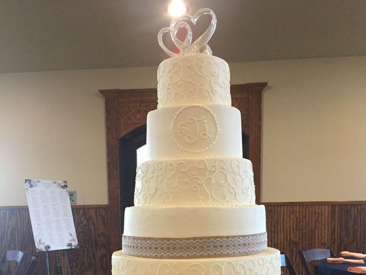 Tmx 1528602454 19aea33b51ff90be 1528602452 3313aa420d35dd13 1528602423204 11 B61A7247 C225 48D McKinney, Texas wedding cake