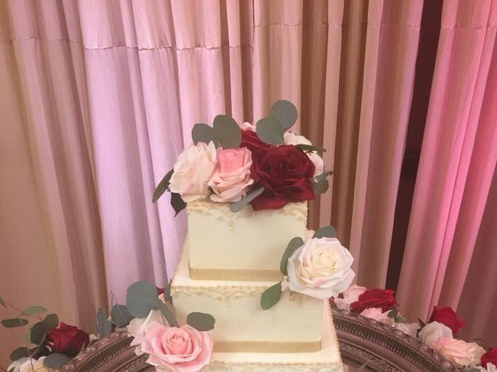 Tmx 1533854037 156c08df078466e2 1533854036 E4eba6387284e7ca 1533854035846 1 37655394 220275915 McKinney, Texas wedding cake